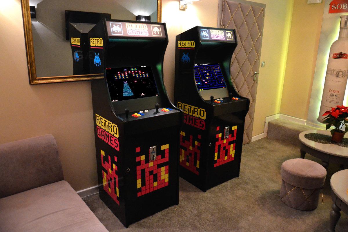 Automaty Arcade - 8 - klasyczne gry kosmiczne wynajem