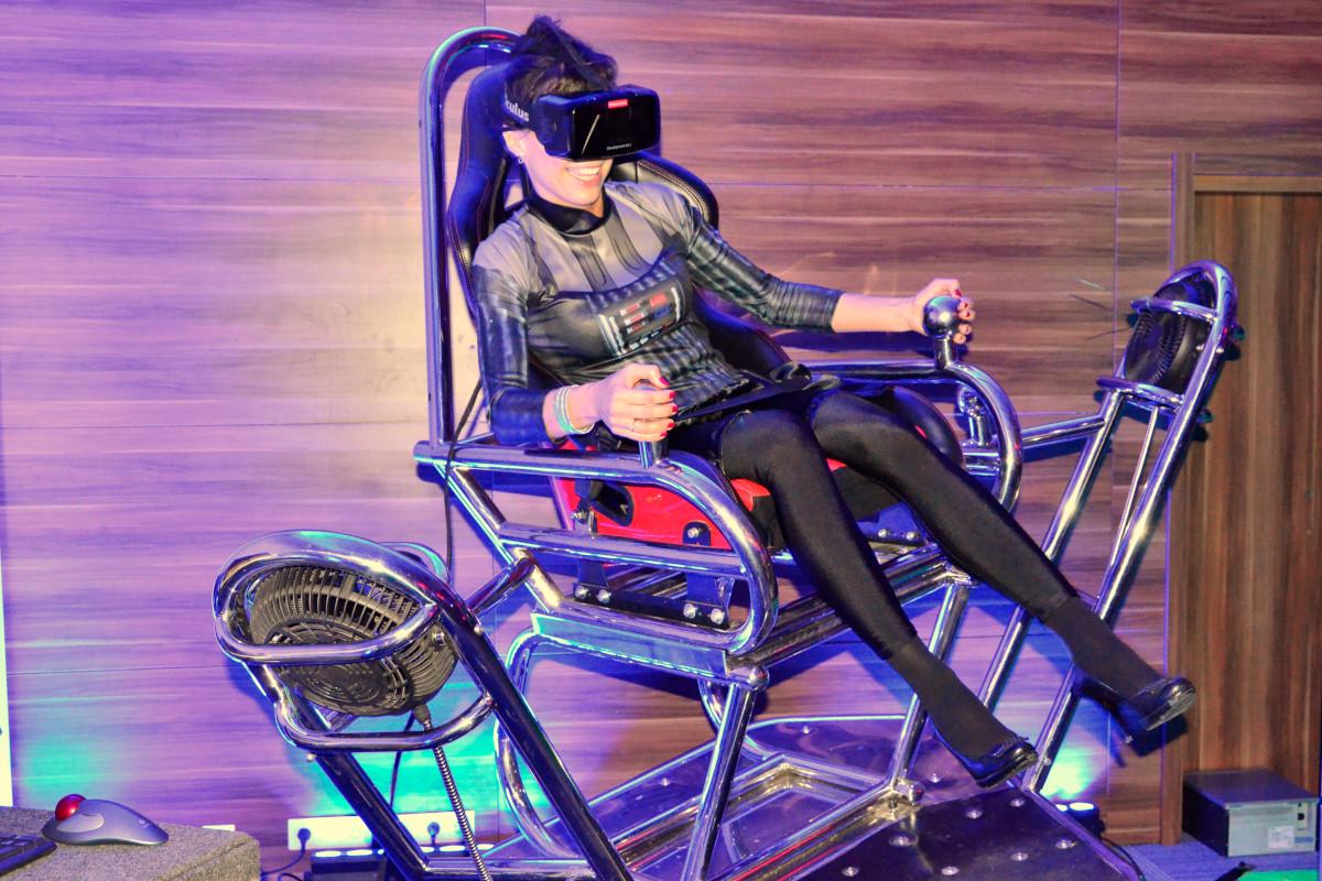 Roller coaster VR 9D - 02 - symulator vr wynajem impreza firmowa