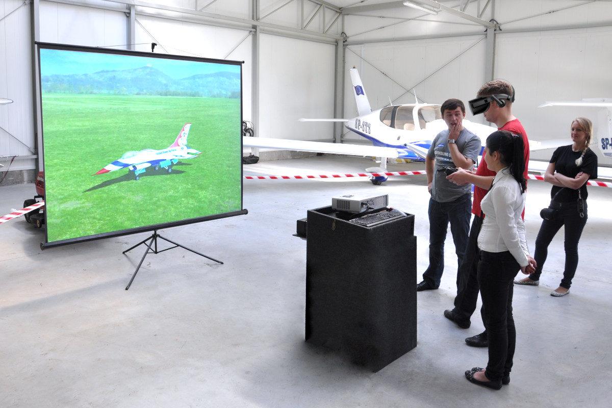 Stanowisko VR Lotnicze - 1 - symulator lotu modelami vr wynajem