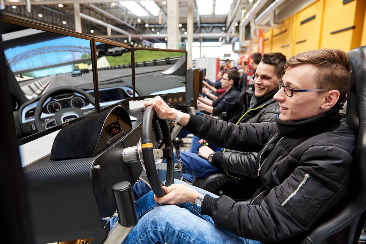 Symulator Jazdy miejskiej PRO - 3 - szkolenie bhp kierowców wynajem