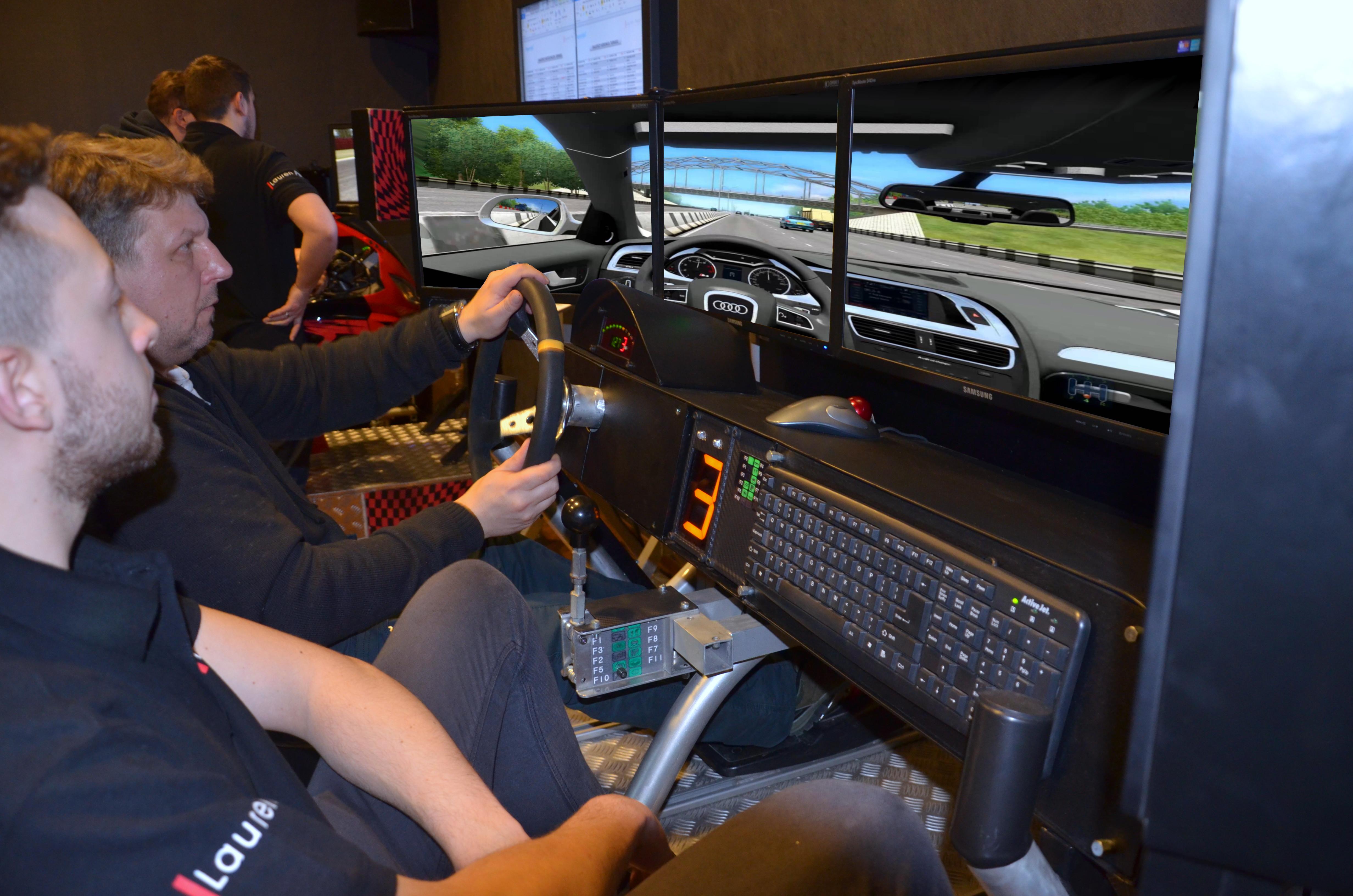 Symulator Jazdy miejskiej PRO - 4 - atrakcje na event warszawa