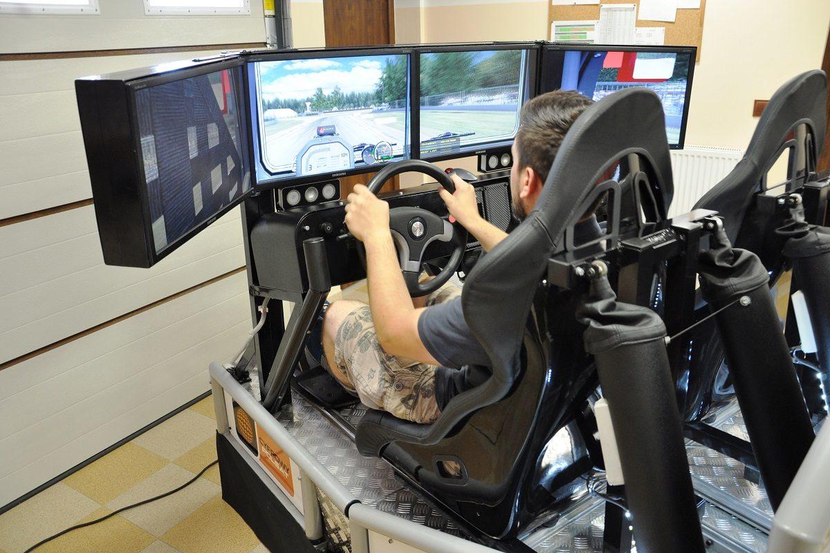 Symulator jazdy autobusem TIR cieżarówką wynajem 3