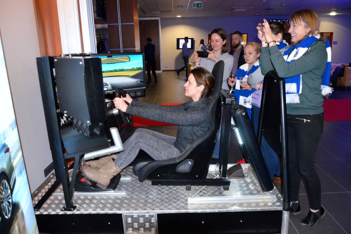 Symulator jazdy miejskiej - 10 - szkolenie kierowców dzień bhp w firmie