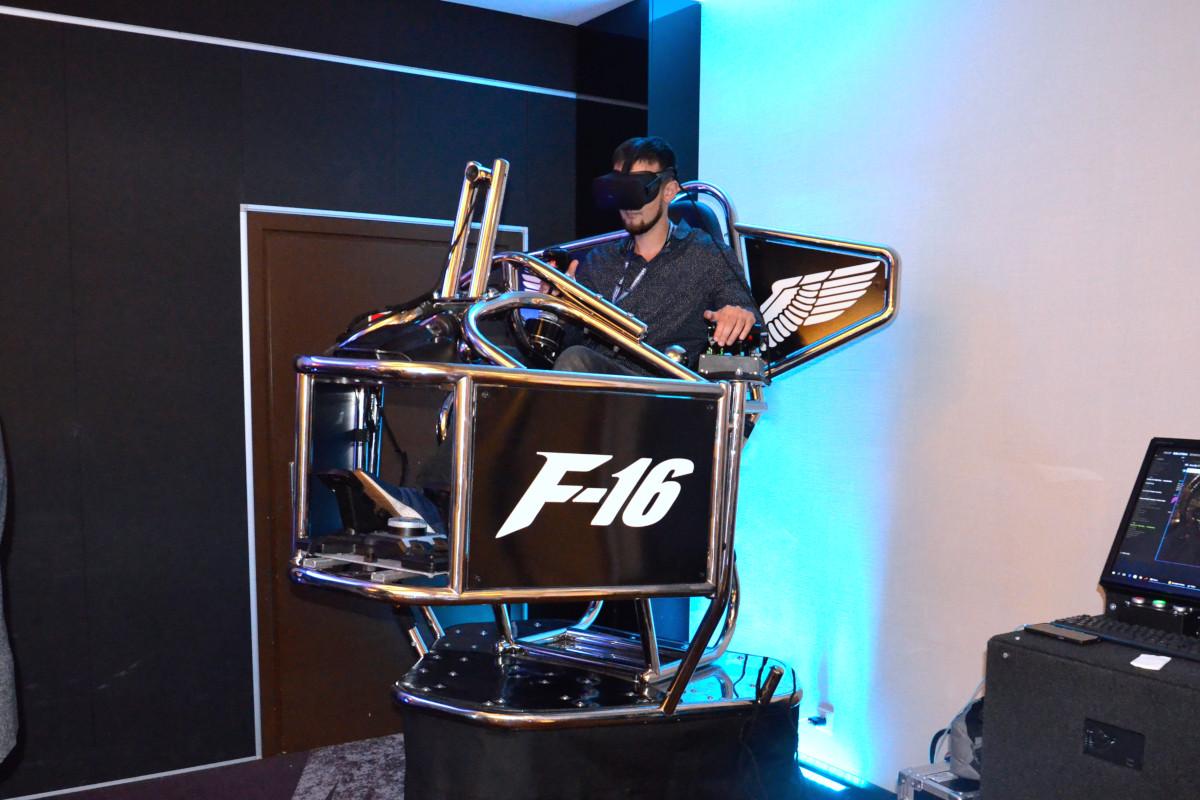 Symulator lotu VR 9D - 1 - symulator f-16 wynajem