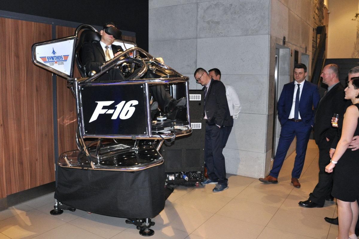 Symulator lotu VR 9D - 4 - atrakcje na konferencje symulator wynajem