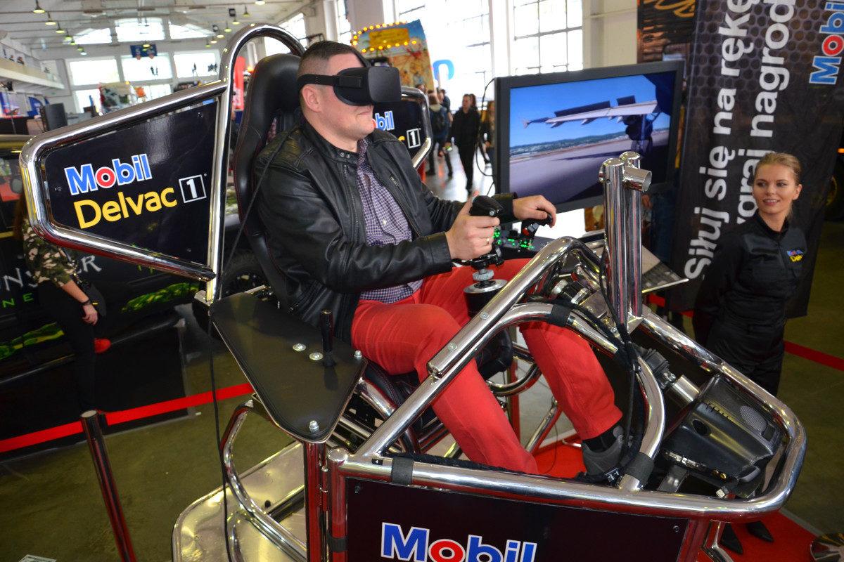 Symulator lotu VR 9D - 9 - symulator samolotu pasażerskiego wynajem