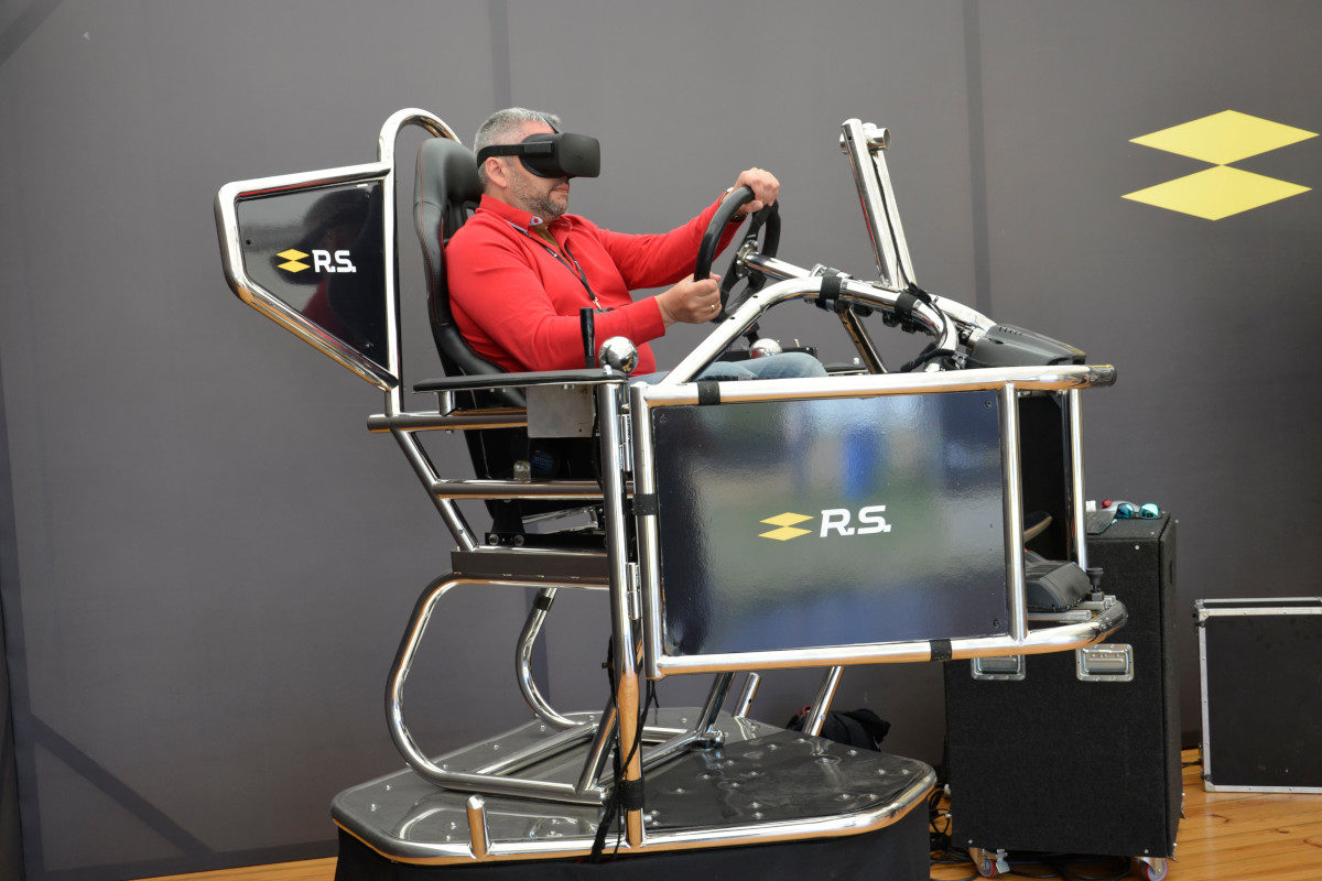 Symulator rajdowy VR 9D - 1 - symulator wrc wynajem na targi