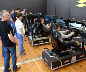 symulator jazdy VR 5D - 2 - wynajem symulatorów na targi